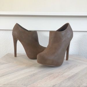 Shoes - Plat form heels / booties NWT